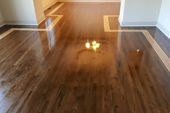 Border in hardwood flooring